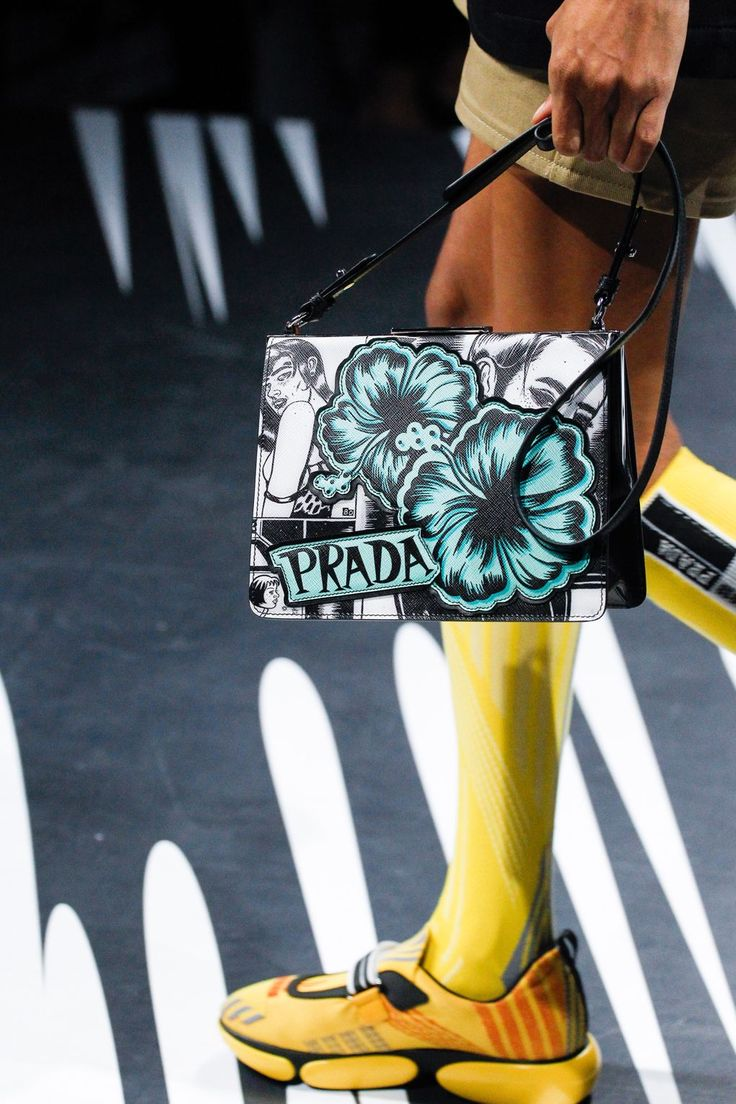 Prada Spring 2018 Ready-to-wear Fashion Details