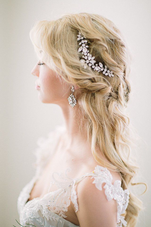 Featured Photographer: Retrospect Images; Wedding hairstyle idea....