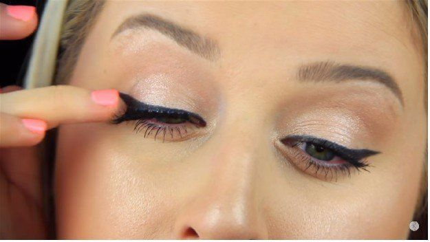 Pat The Lashes   How to Apply Fake Eyelashes Beginner's Guide...