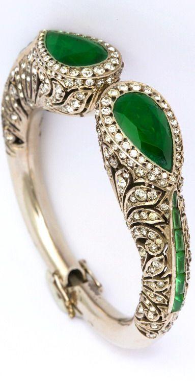 1920s Elegant Art Deco French Paste Bracelet. A grand piece of 1920s Art Deco