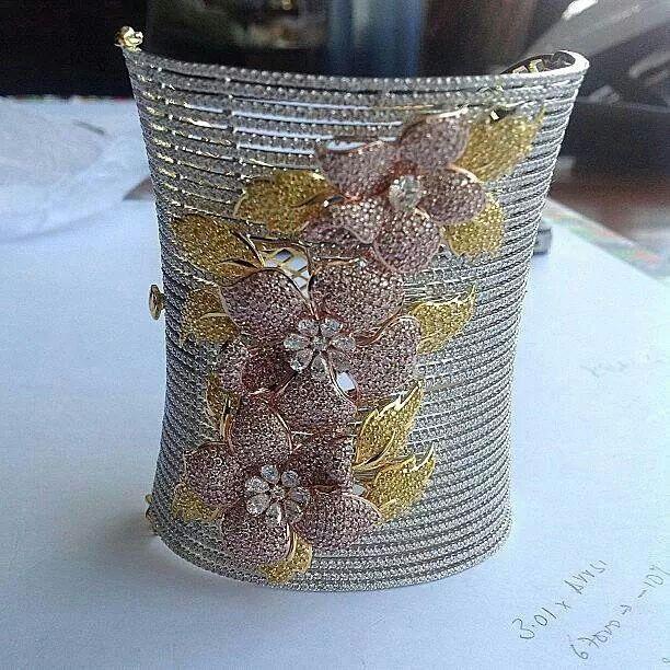 Amazingly beautiful diamond encrusted cuff from @kamyenjewellery #jewelleryaddic...
