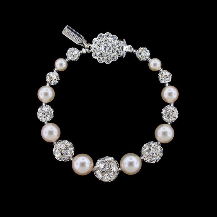 Graduated Pearl & Rhinestone Bead Bracelet