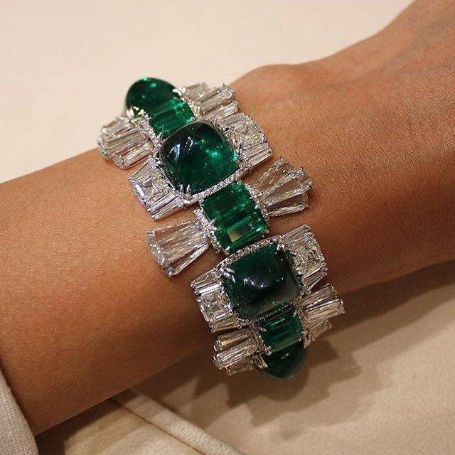 @moussaieffjewellers showcased this beautiful bracelet with emeralds and diamond...