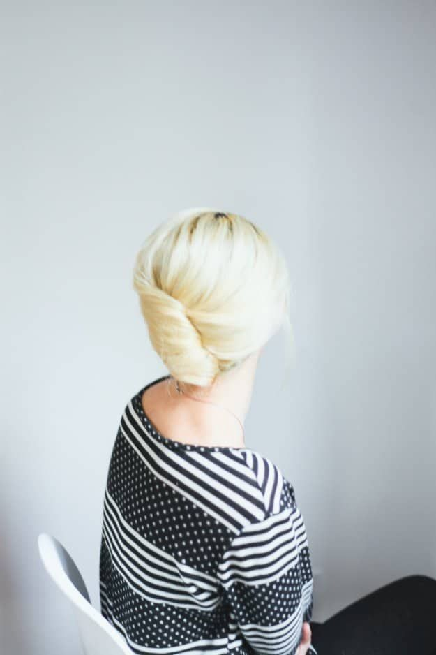 Classic Updo | Homecoming Dance Hairstyles Inspiration Perfect For The Queen...