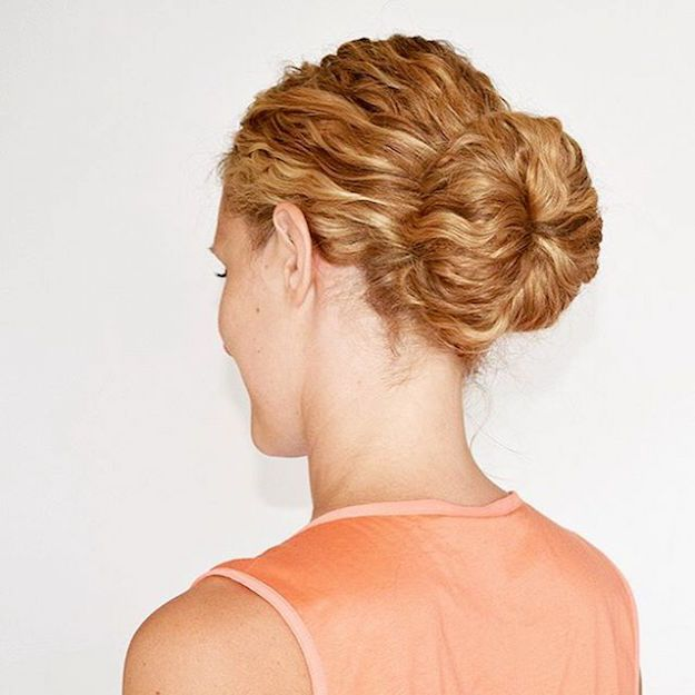 Curly Sock Bun| 12 Curly Homecoming Hairstyles You Can Show Off