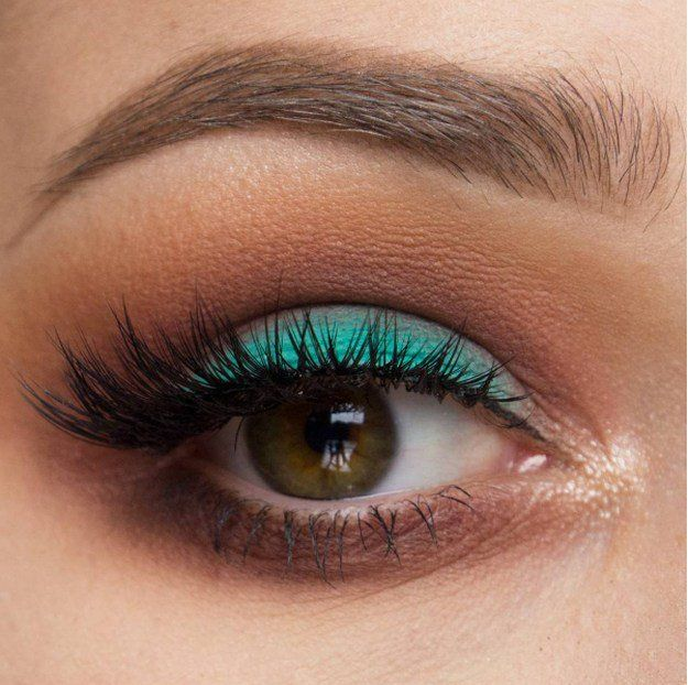 Colored Eyeliner | Match Your Back to School Outfits With These Gorgeous Makeup ...