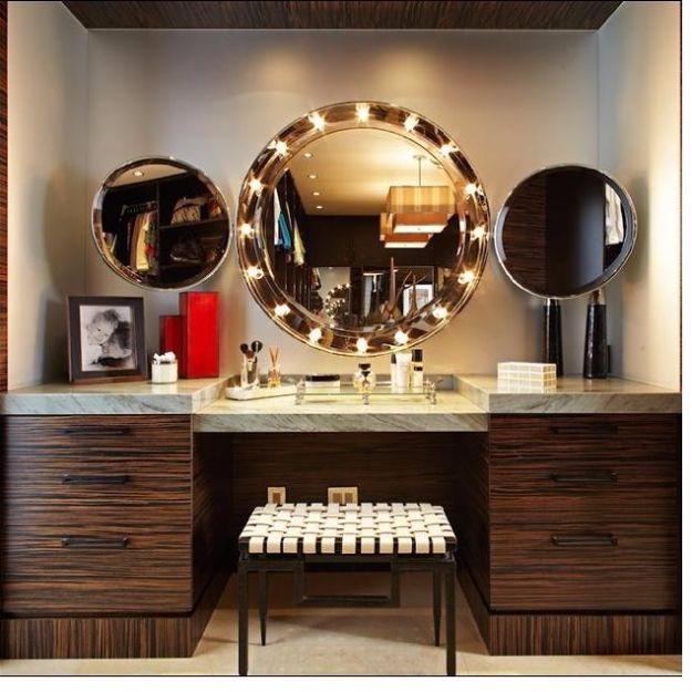 Vanity Mirror | Cool Makeup Organizers To Give Your Makeup A Proper Home...