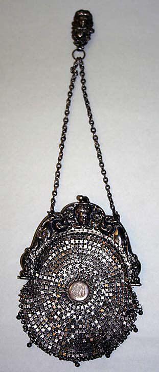 Bag (Minaudière)    Date:      1900–1910  Culture:      European  Medium:    ...