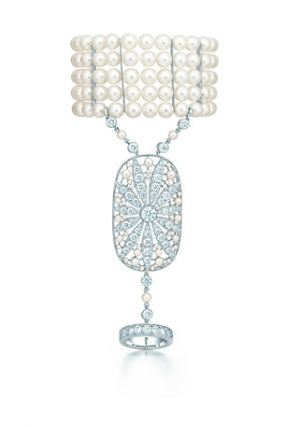 The Great Gatsby Collection daisy hand ornament with diamonds and pearls - The G...