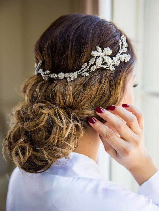 Wedding Hairstyle Inspiration - Photo: True Photography