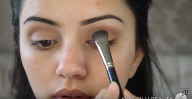 Apply Top shadow on Eyelids   Get Kylie Jenner Instagram-Worthy Makeup With This...