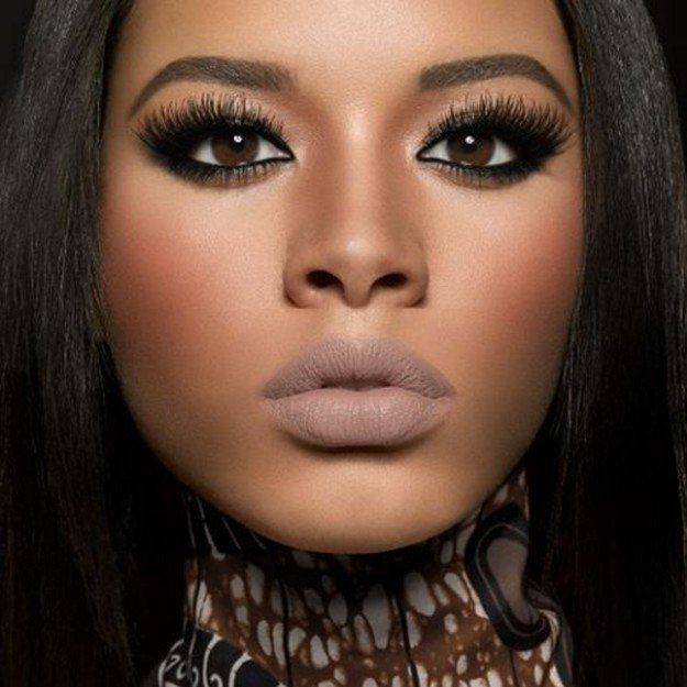 Dark Eyes, Muted Lips | Homecoming Dance Makeup Ideas Guaranteed To Win You The ...