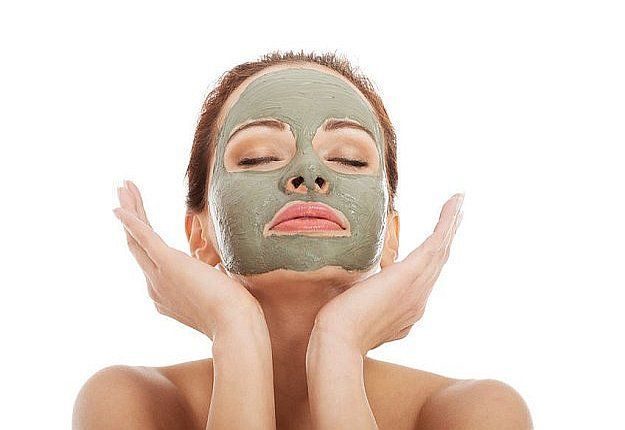 Looking to rid of those large pores on your face? Well, here are some remedies t...
