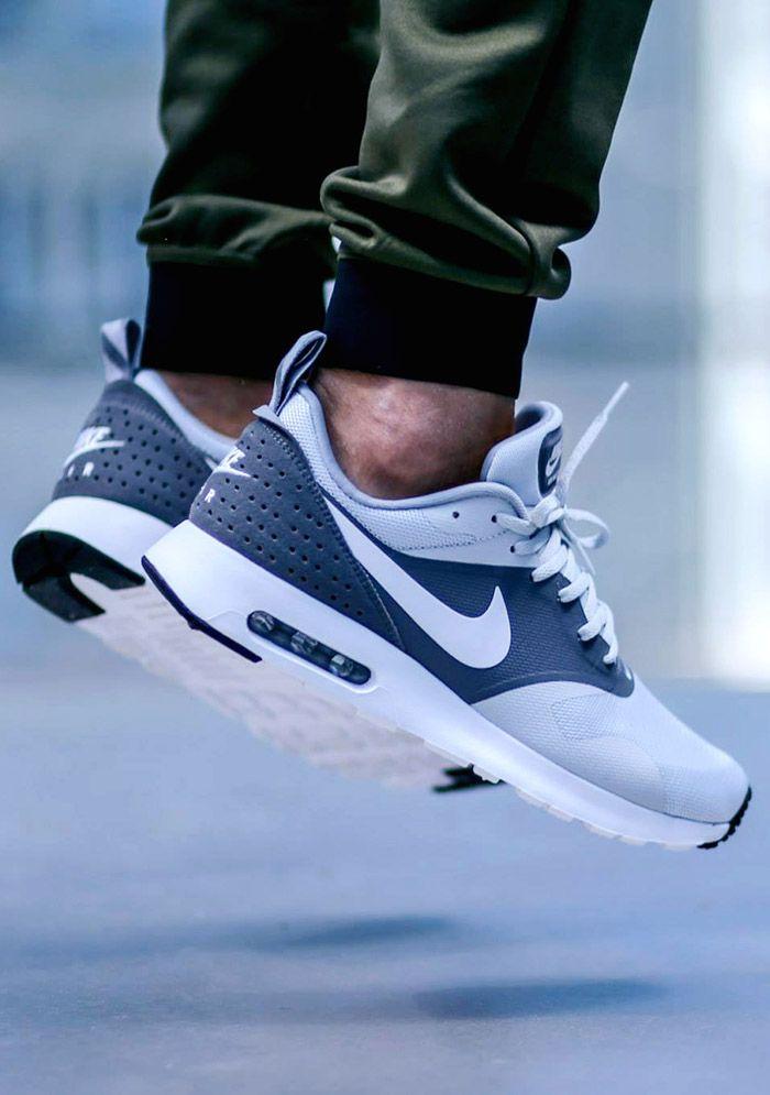 Nike Tavas Essential