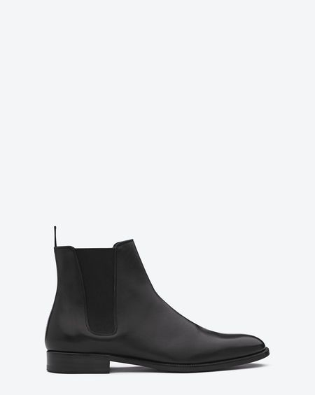 Signature Saint Laurent Chelsea boot in black leather