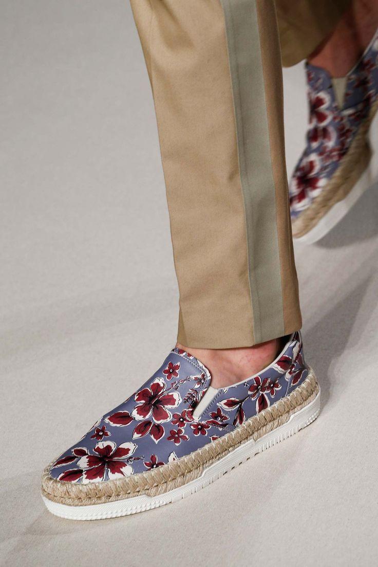Valentino Printemps 2016 Menswear - Détails - Galerie - Style.com