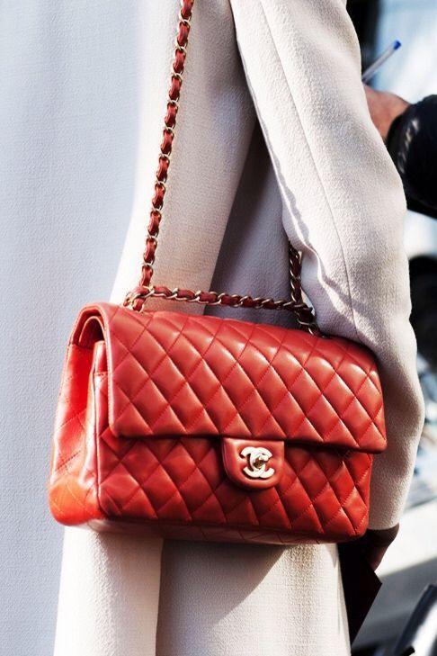 Chanel 2.55 Street style