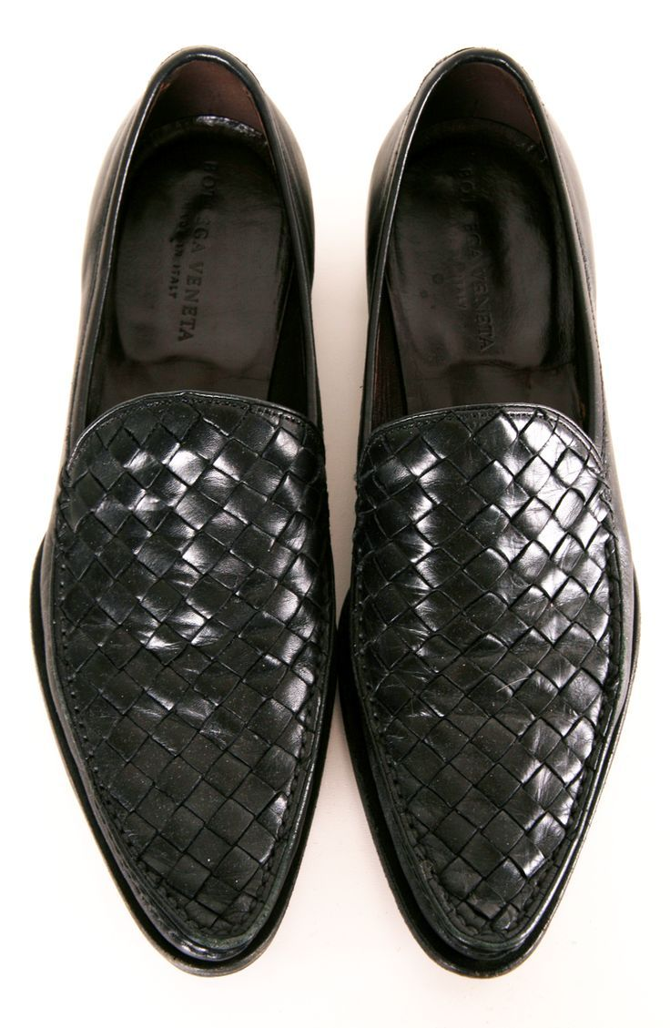 Black Leather Bottega Veneta loafers, Men's Spring Summer Fashion.