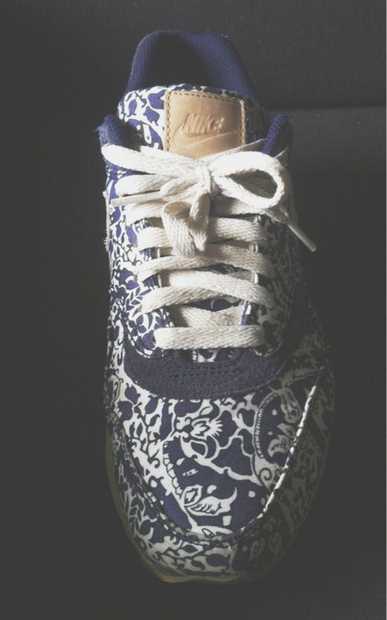 Nike Air Max 1 Floral. #sneakers