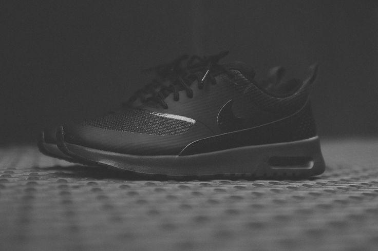Nike Air Max Thea - Triple Black