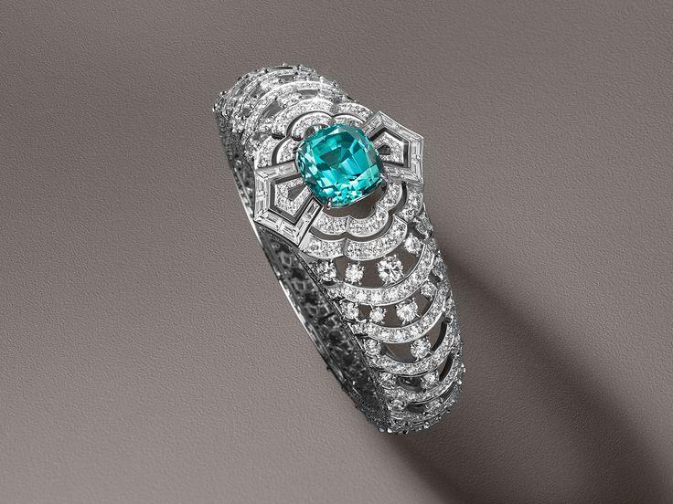 Louis Vuitton bracelet with Paraiba tourmaline and diamonds from Conquêtes coll...