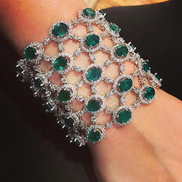 Emerald Cuff #Bjc #MariaGaspari #Bahrain