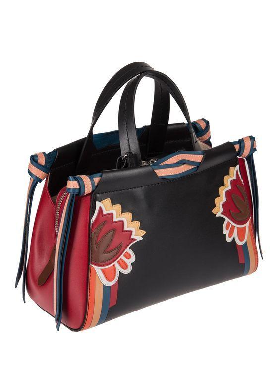 Luxury & Vintage Madrid, la meilleure sélection en ligne de vêtements de luxe,...