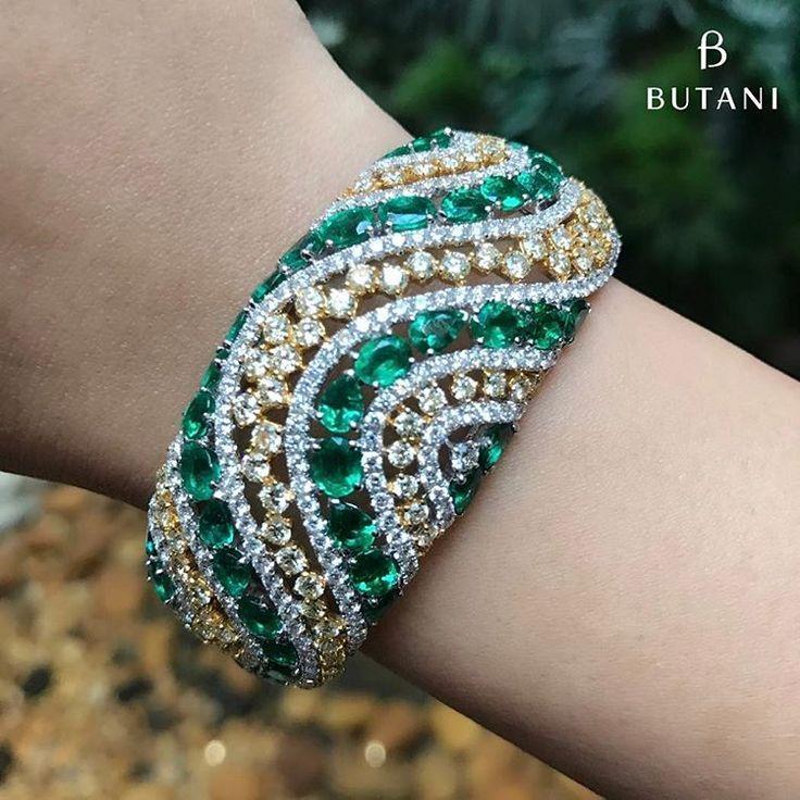 Best Diamond Bracelets : Butani Jewellery. This gorgeous green emerald and diamo...