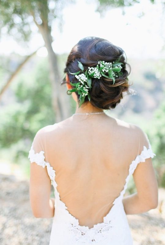 Wedding Hairstyle Inspiration - Photo: Adrienne Gunde Photography