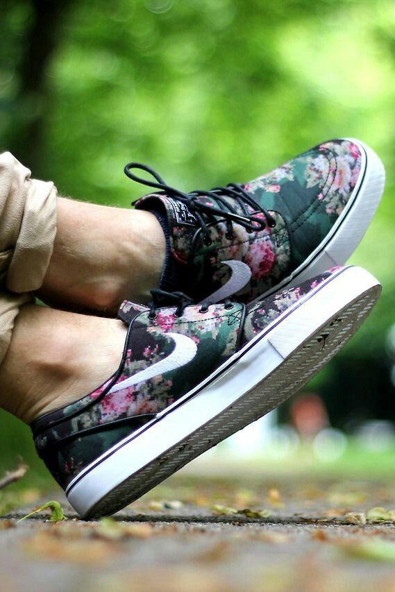 Mens floral shoe - want!