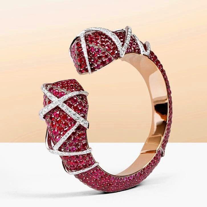 Best Diamond Bracelets : The beauty of Diamond Laces Bracelet Andre Marcha #haut...