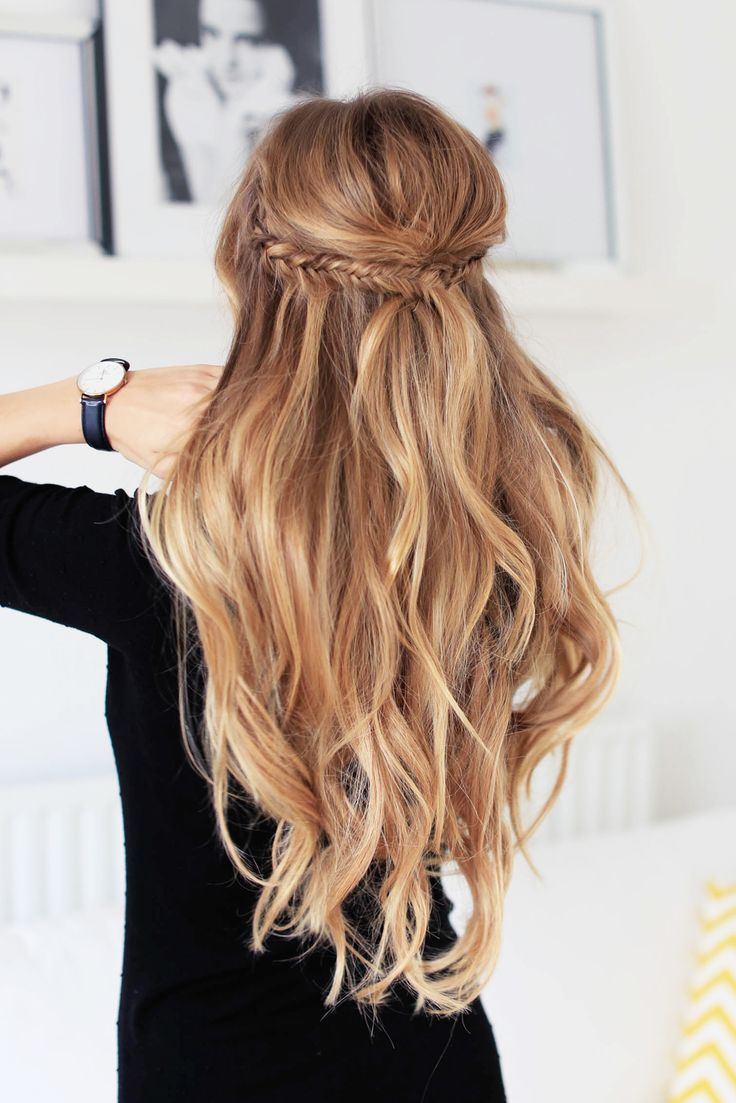 Easy hairdo for long hair. Waves hair. Braids.