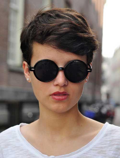 20.Pixie Wavy Hair                                                       �