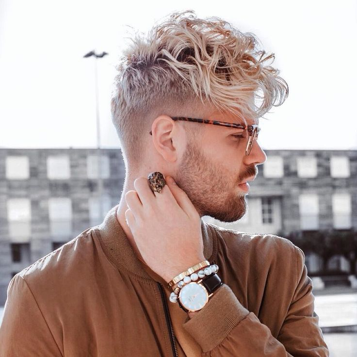 mpauletss-wavy-curly-hair-men-undercut-taper-1024x1024.jpg (1024×1024