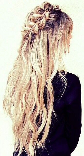 Half up half down wavy hair with braid #gorgeoushair