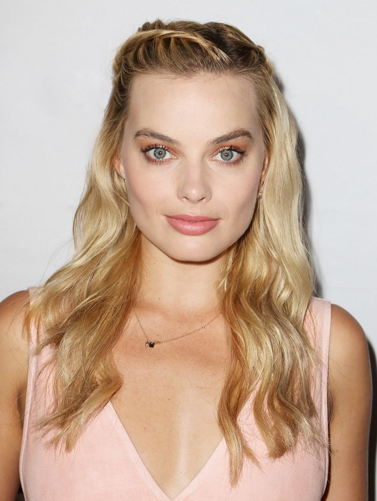 You'll Want to Get Margot Robbie's Dramatic Vampy Lip ASAP