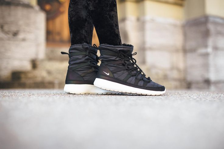 9c0ee8673c67 Trendy Women s Sneakers 2017  2018   Nike Roshe One Hi Flash-Black ...