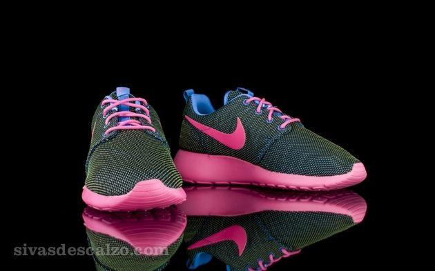 8b968b78b828 Trendy Women s Sneakers 2017  2018   Nike Roshe Run WMNS Hyper ...