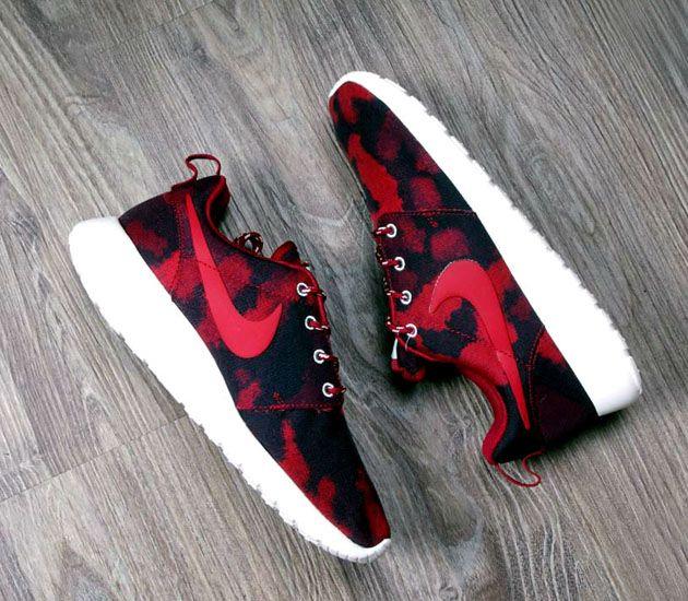 Nike WMNS Roshe Run – Noble Red