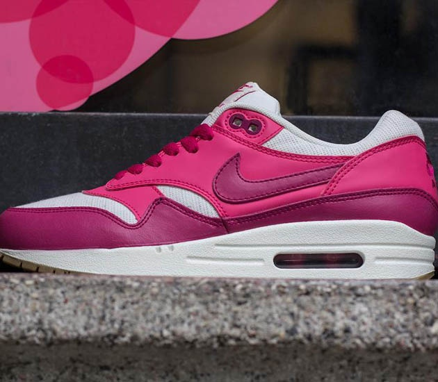Nike Wmns Air Max 1 Vintage-Sail-Sport Fuchsia-Pink Force