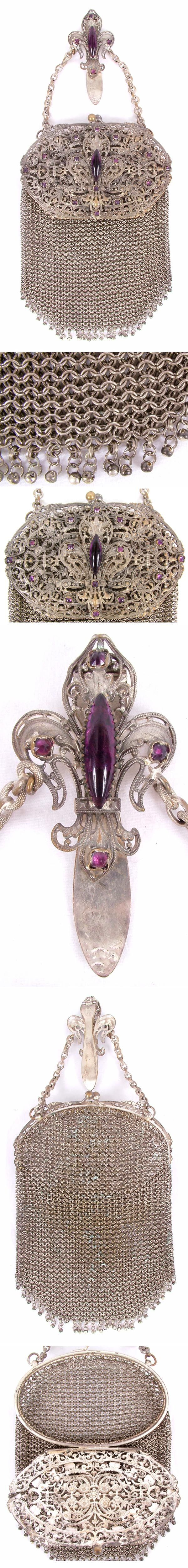 Love the detail and craftsmanship of this beautiful piece.