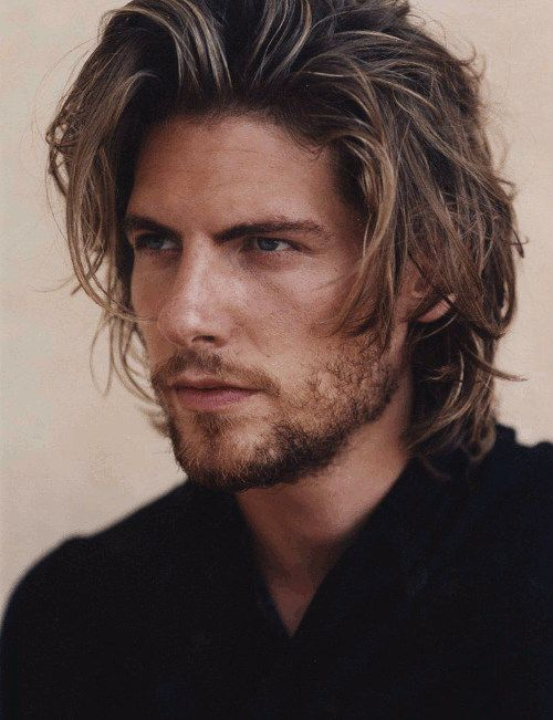 Long messy cool hairstyle for men. - www.mens-hairstyl...