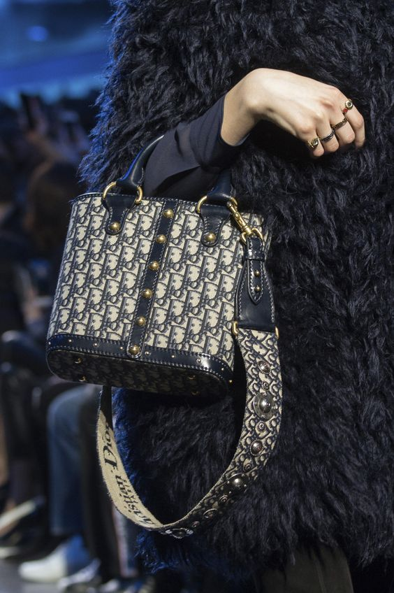 Dior available at Luxury & Vintage Madrid, the best shopping site of luxury bran...