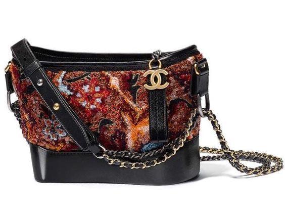 #Chanel #handbag #bags available at Luxury & Vintage Madrid, the leading #fashio...