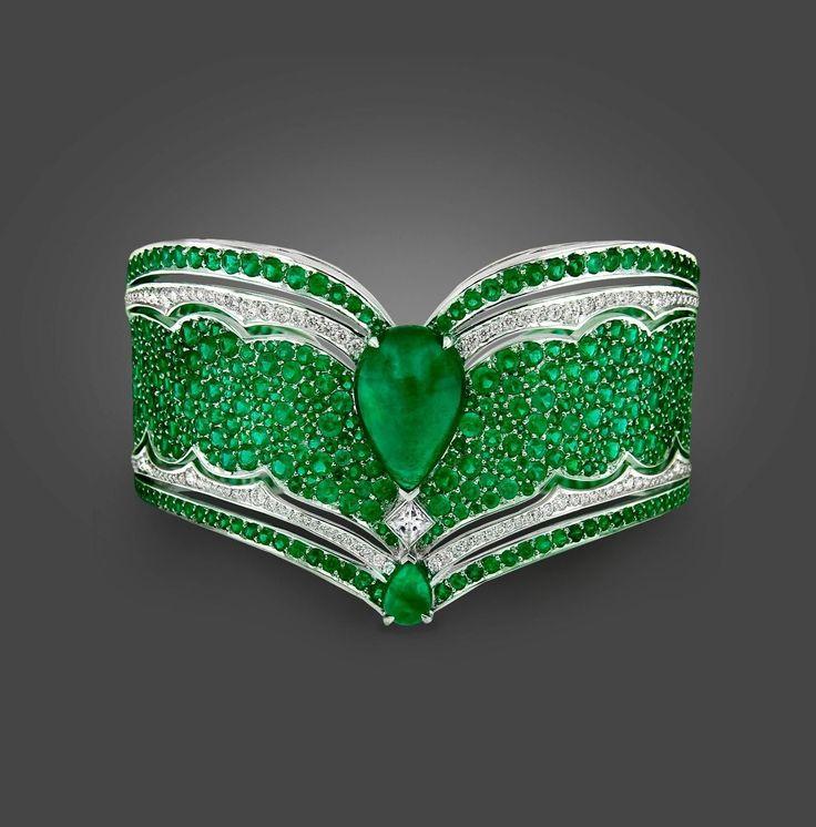 Vanleles Diamond Gemfield Emerald Legends of Africa High End Cuff Bracelet
