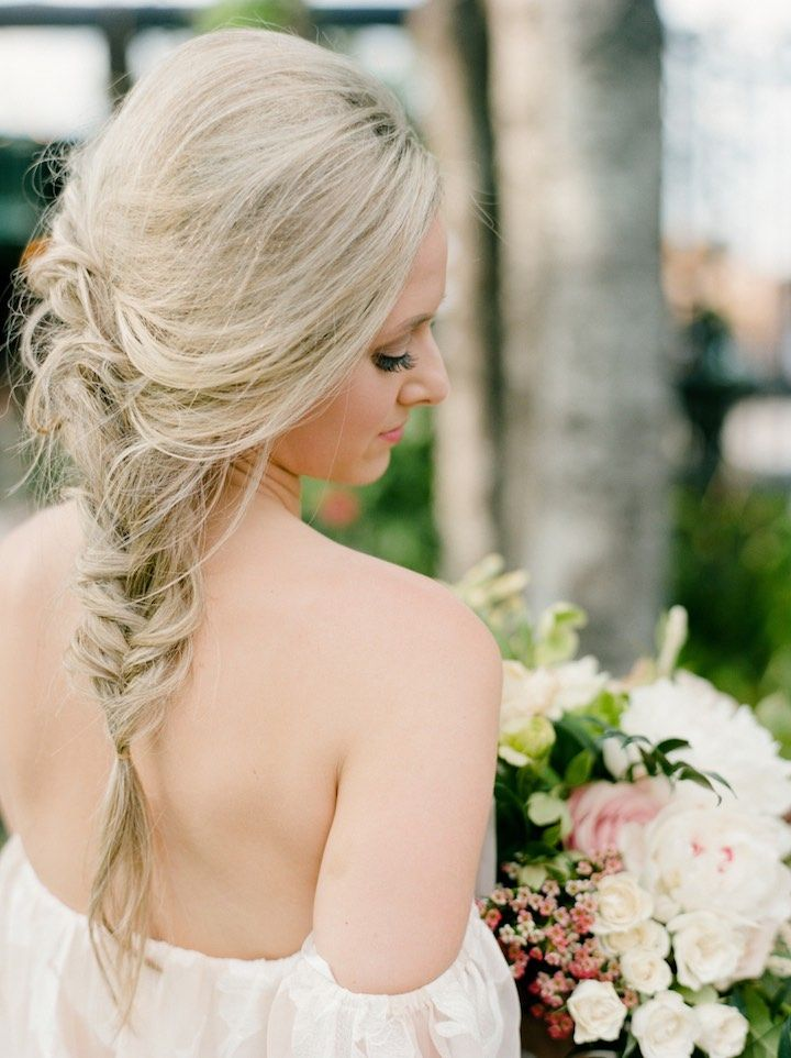 Wedding Hairstyle Inspiration - Photo: Dana Fernandez Photography