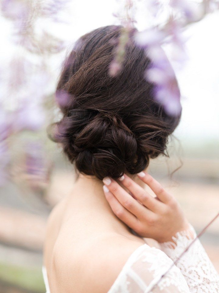 Wedding Hairstyle Inspiration - Photo: Jen S Photography
