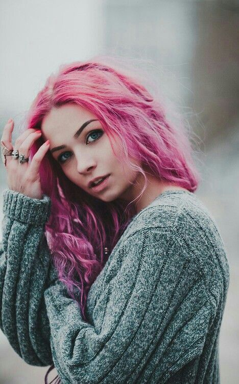 Pink hairstyle for long hair.