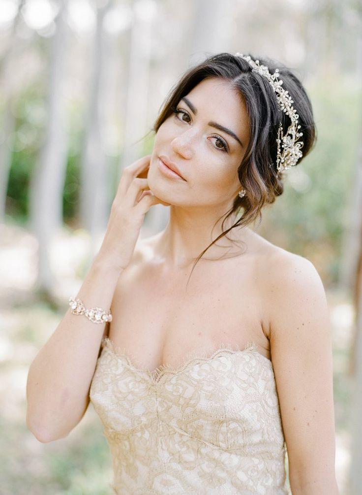 Wedding Hairstyle Inspiration - Photo: Rebecca Yale Photography