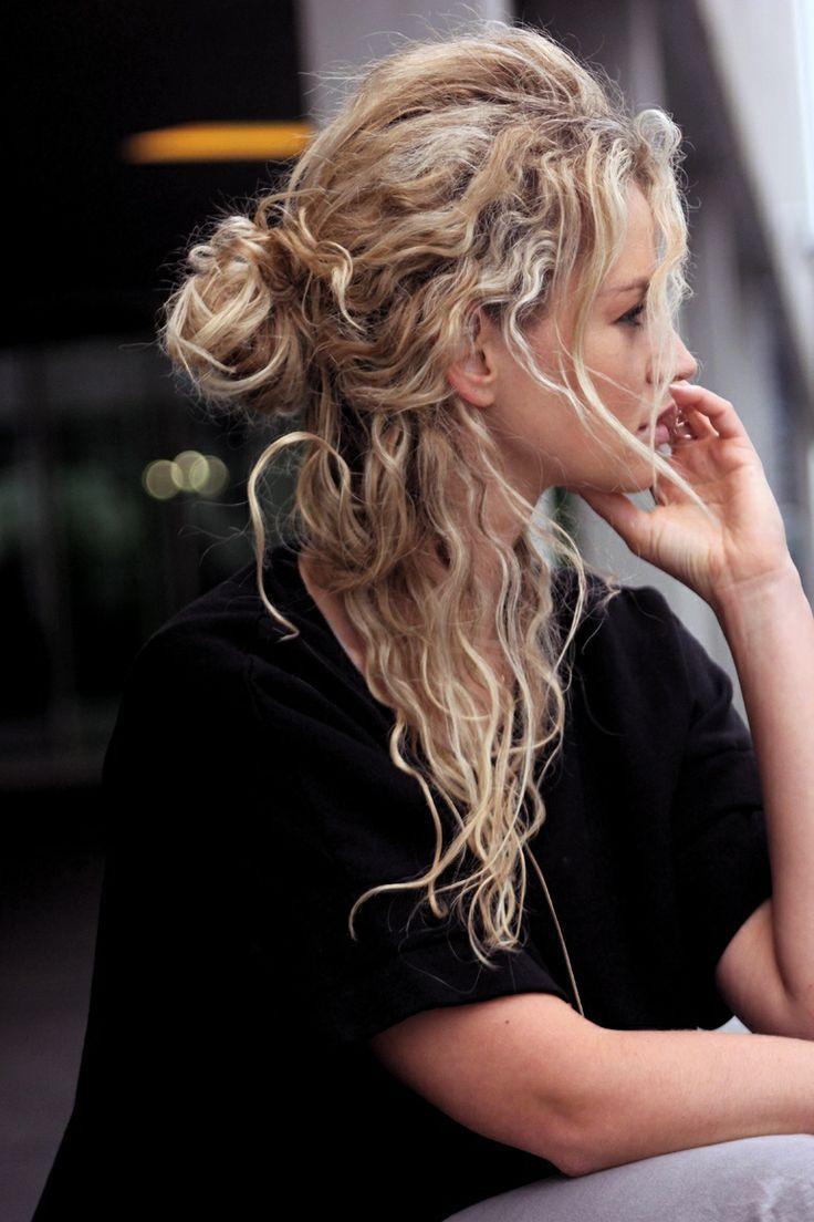 #Blonde. #Curls. Half up.